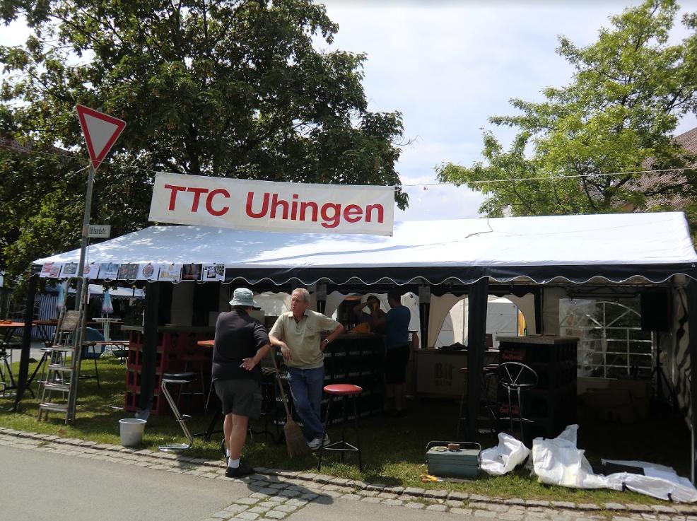 2011: Das Partyzelt auf dem Uhinger Kandelhock wird erstmals aufgebaut